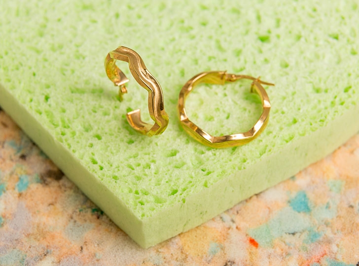 9ct Gold Small Waved Hoops