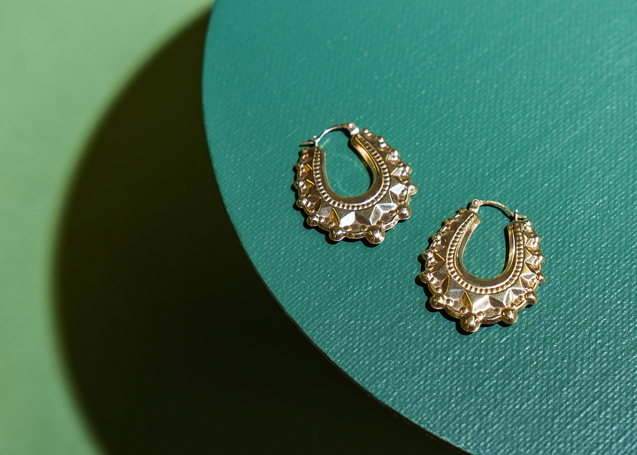 9ct Gold V-Shaped Oval Creole Earrings Small