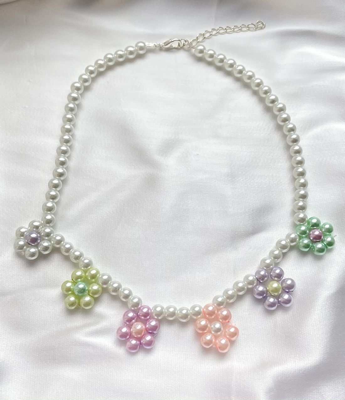 Marguerite Flower Pearl Necklace