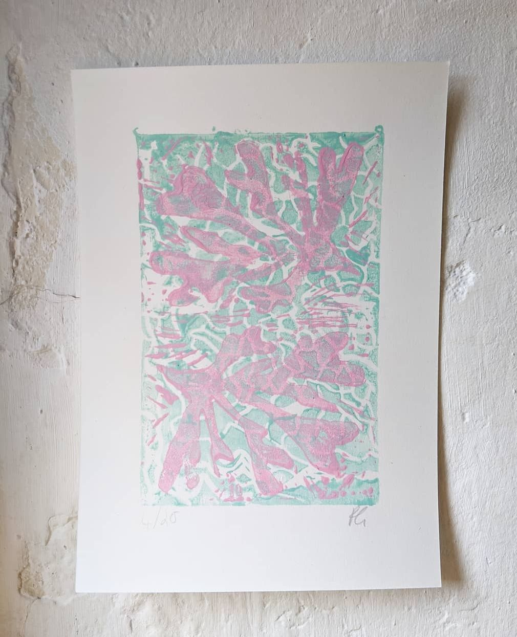 Pastel Ripped Water and Seaweeds