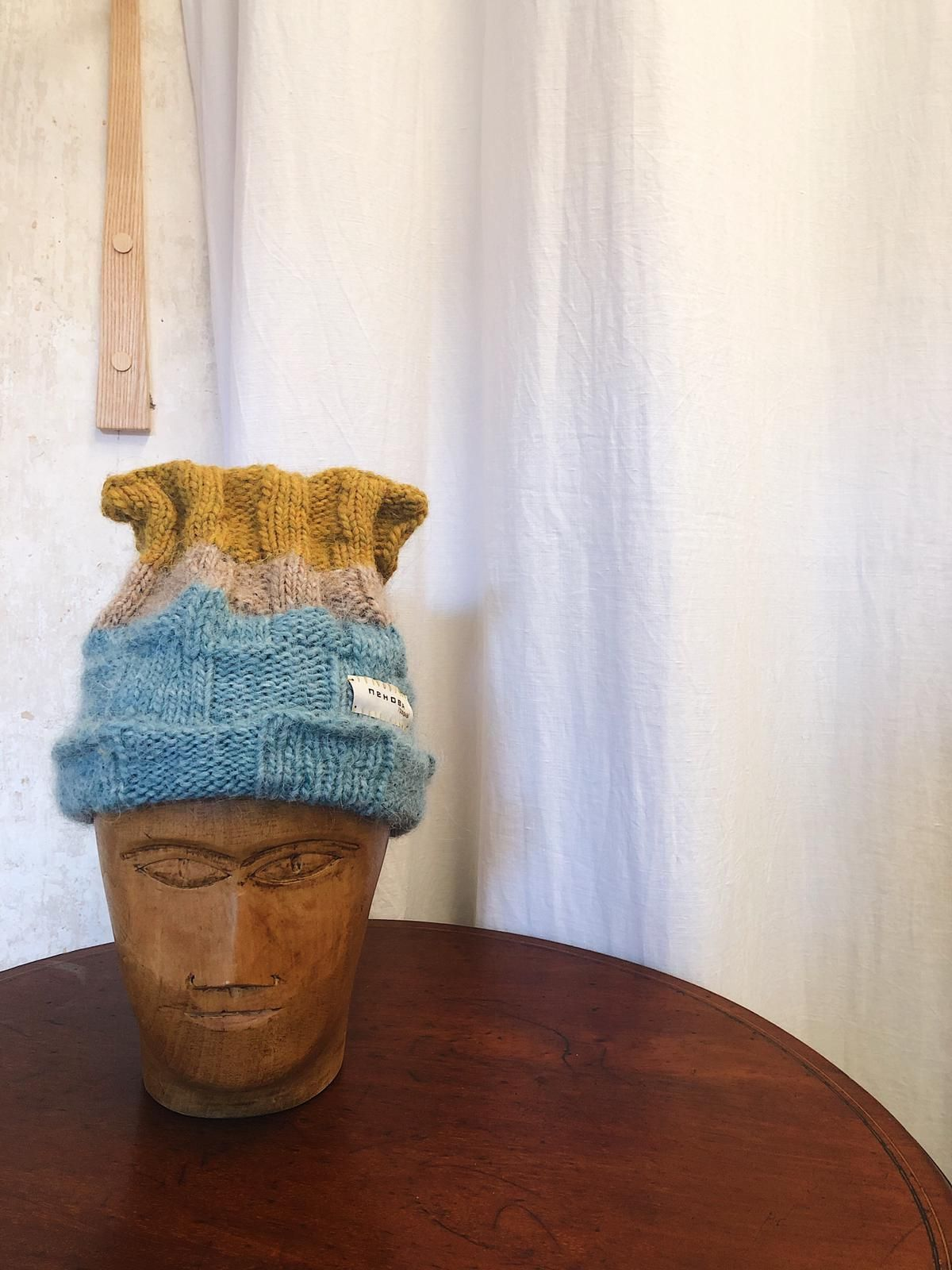 Basket knit stretchy beanie. Hand knitted with 100% Icelandic wool.  Size S-L, unisex