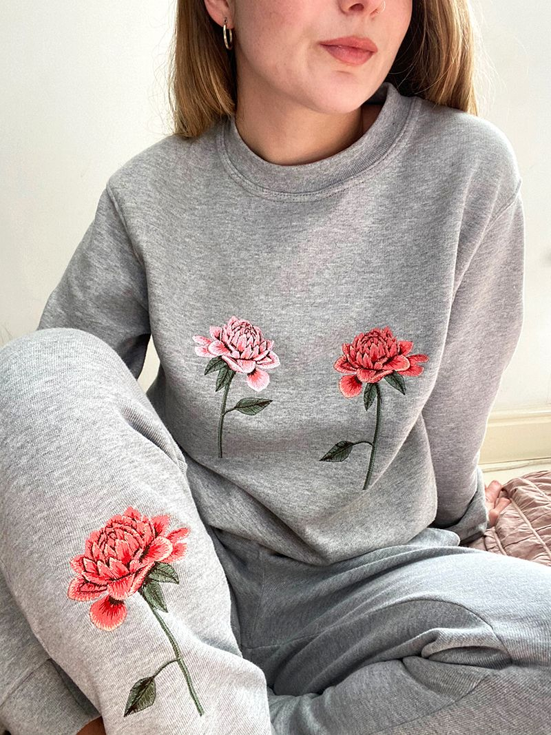 Lounge Set with Embroidered Chrysanthemums