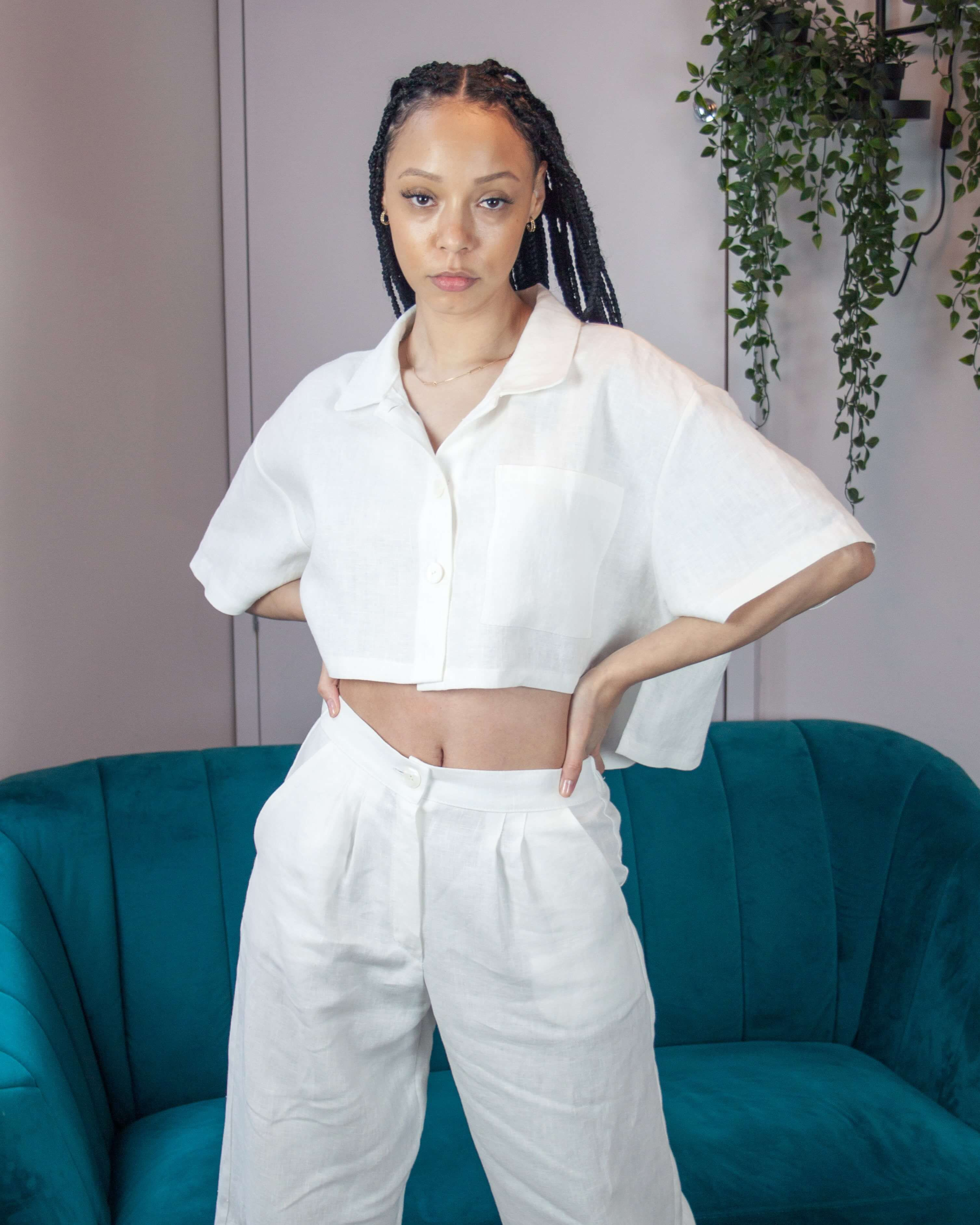 Cropped, Oversized shirt in White Linen