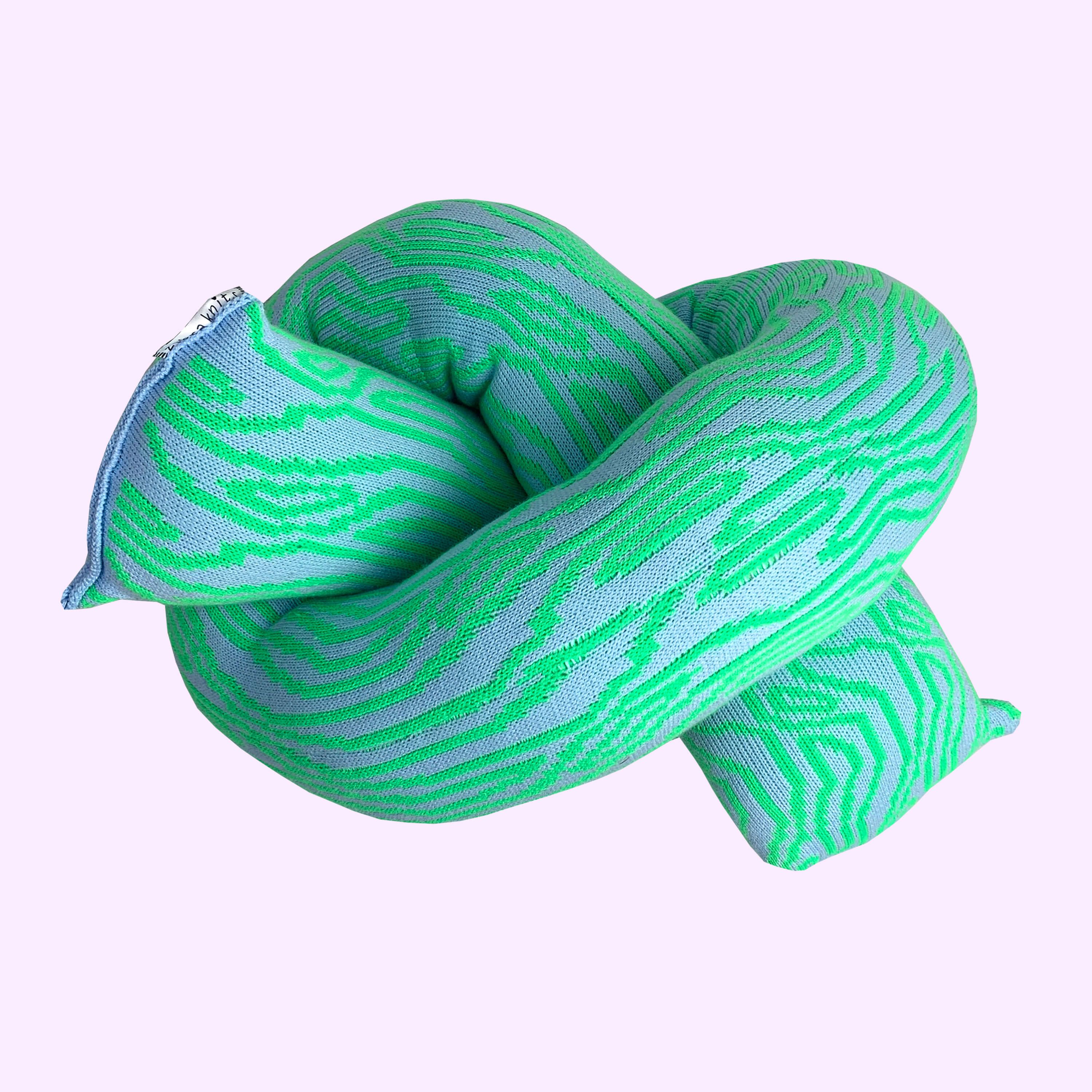 Mr Wiggle Knitted Knot Chunky
