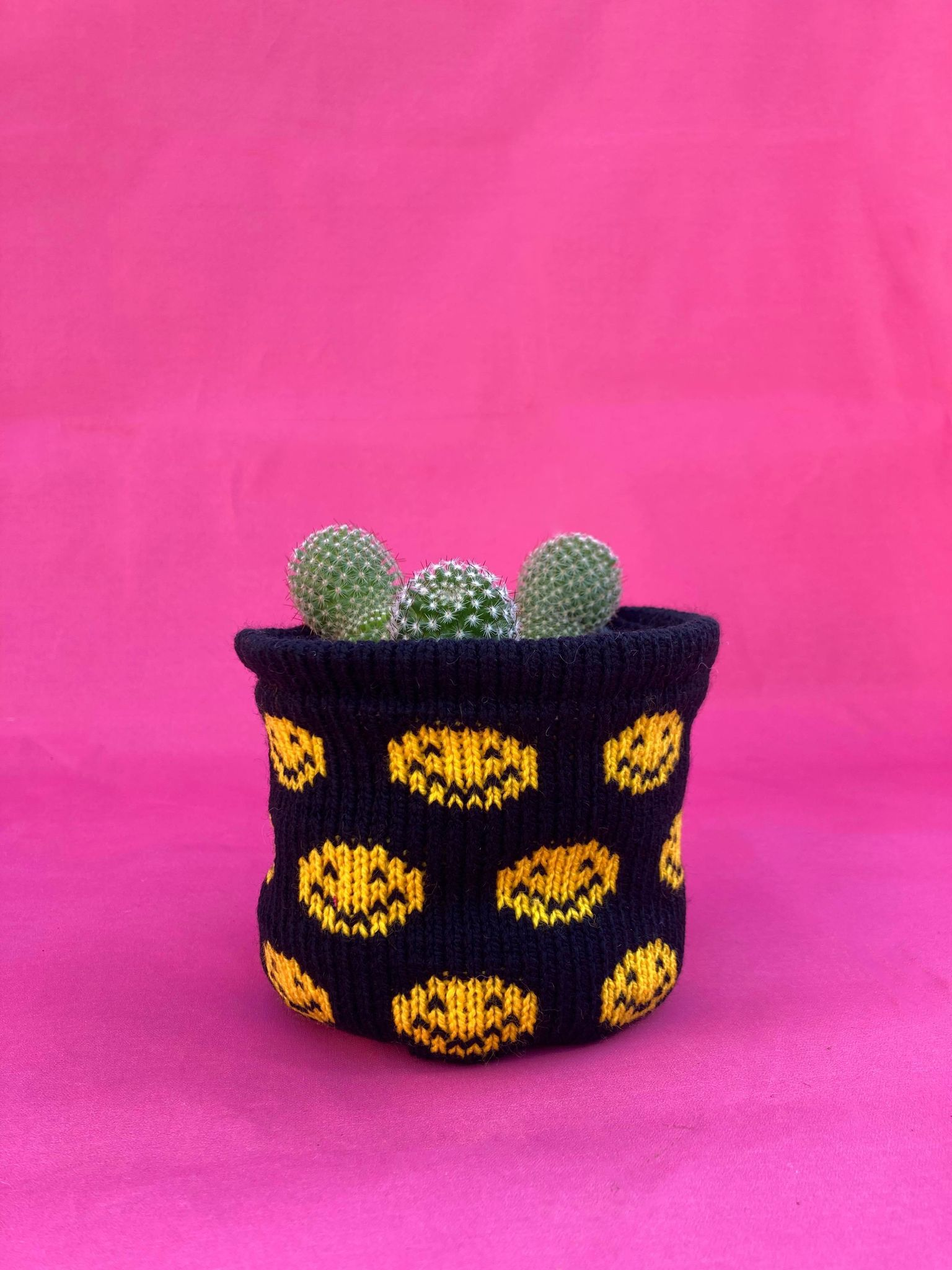 Small Smiley Pot Cover - Black and Bright Yellow