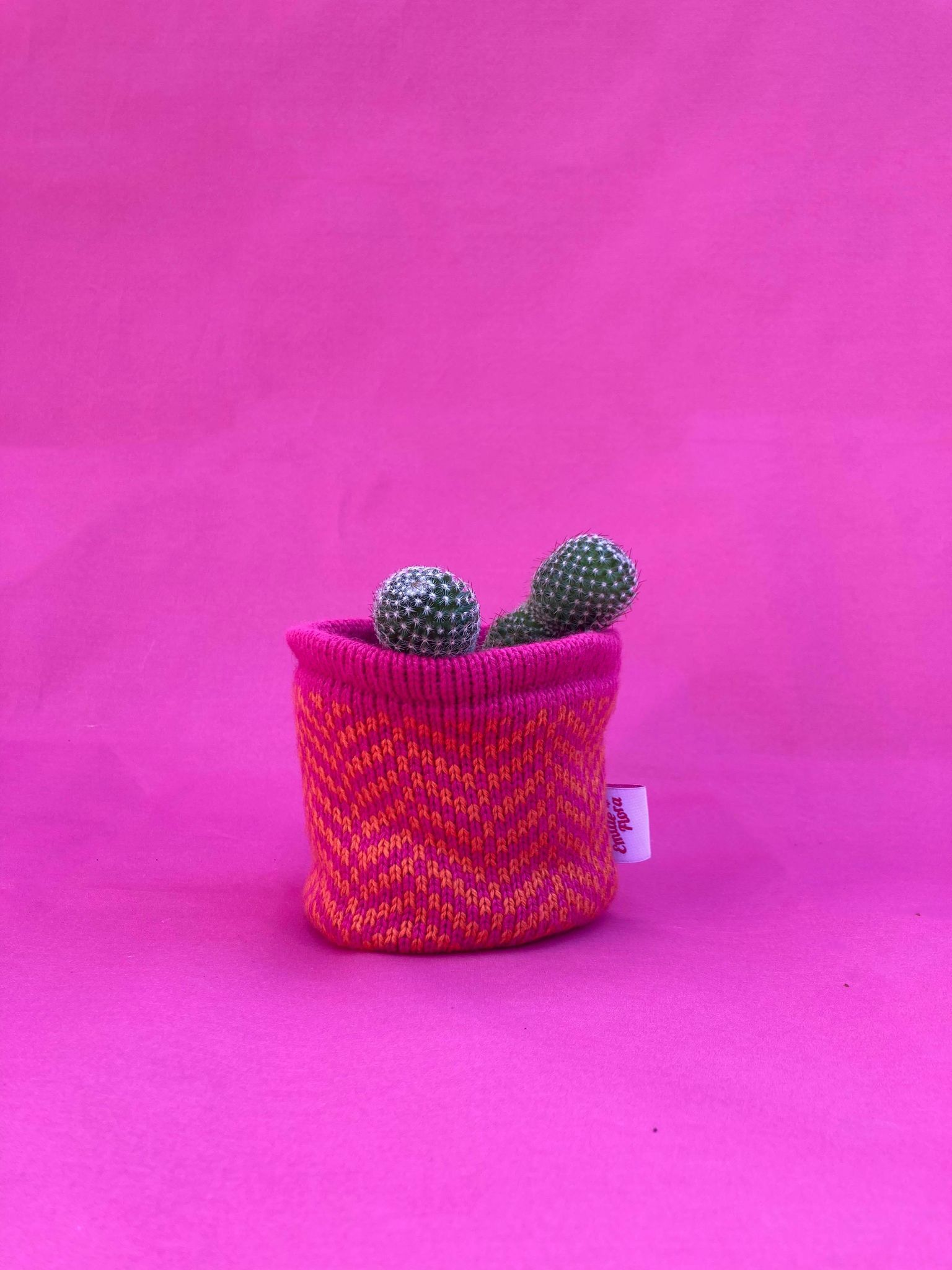Small Zigzag Pot Cover - Hot Pink and Orange