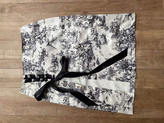 Black and White Toile De Jouy Lace-Up Skirt W30