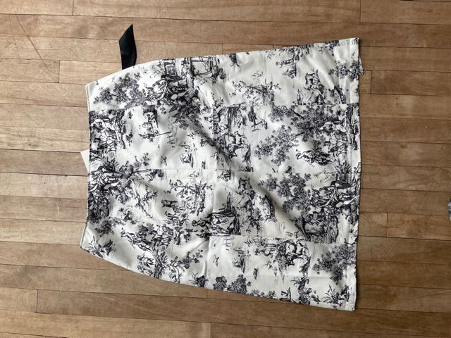 Black and White Toile de Jouy Lace-Up Skirt W32