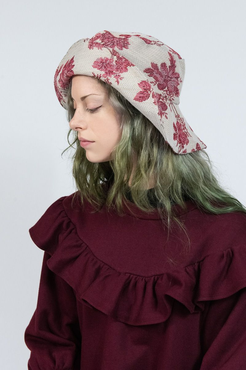 Red Roses Tapestry Hat