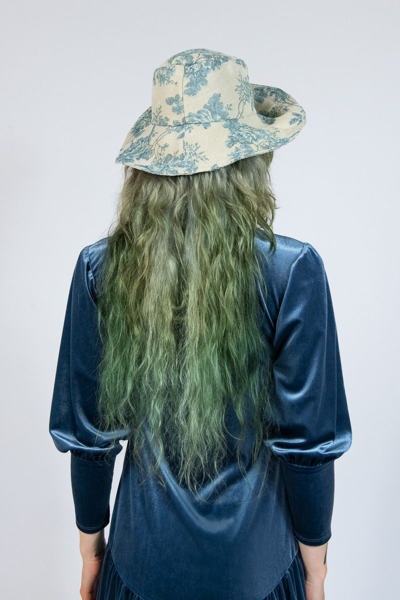 Blue Roses Tapestry Hat